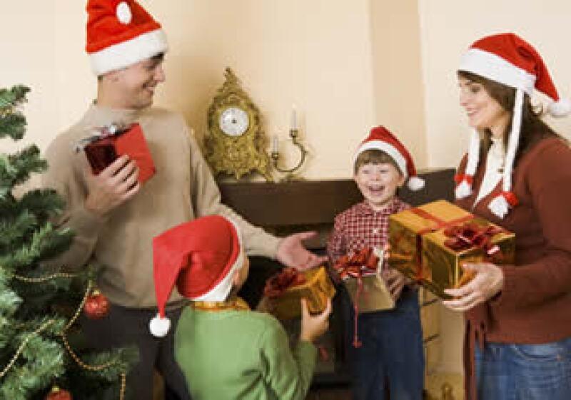 Las personas encuestadas afirmaron que gastarán más dinero en el regalo de sus hijos.  (Foto: Photos to Go)