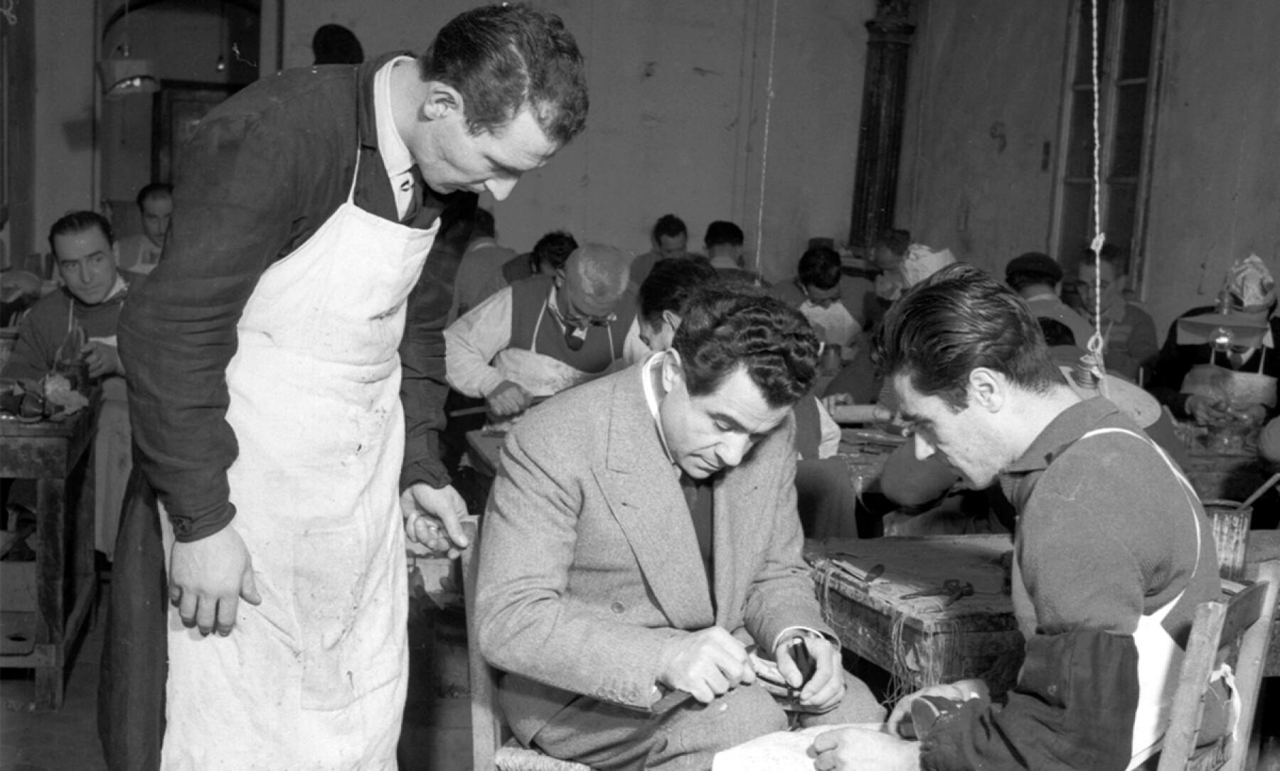 Foto: Ferragamo; Salvatore Ferragamo y sus artesanos, 1940