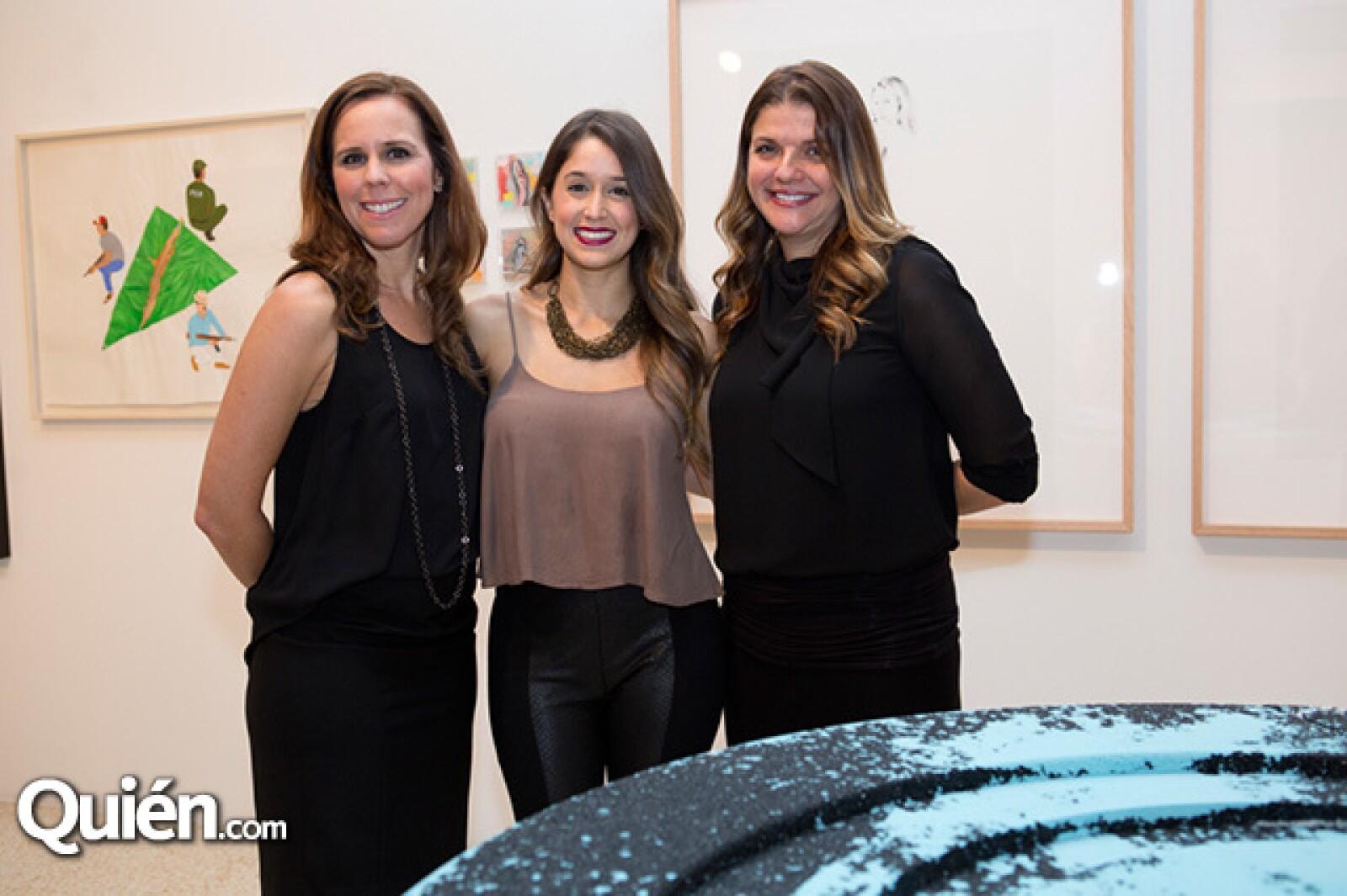 Jennie King,Megan García y Fabia Castro