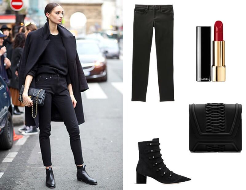 Un look casual, pero edgy para un date en uno de los lugares más cool de la ciudad. (Créditos: Jeans negros de Joe Fresh, Lipstick Chanel, Botines Dior y clutch Yliana Yepez.