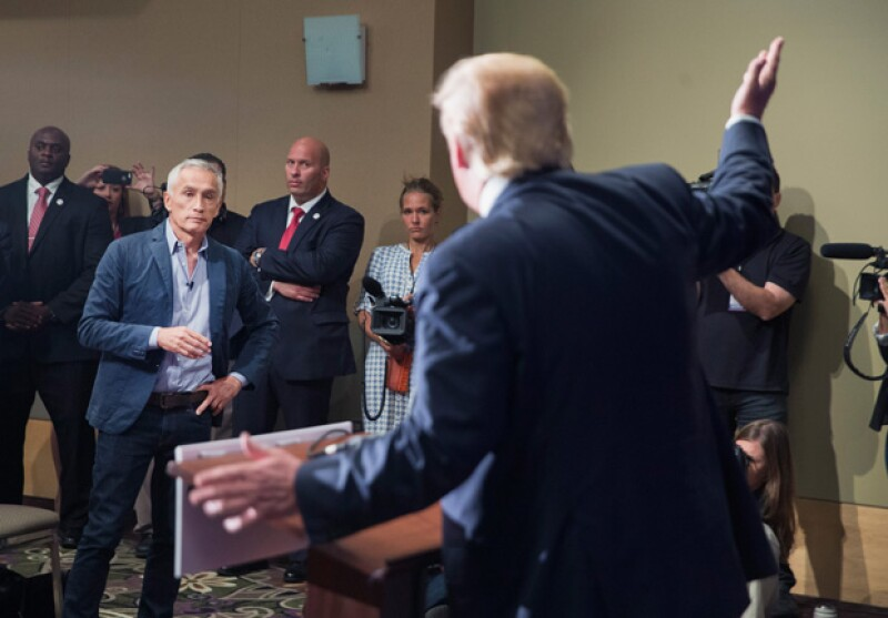 Matt se mostró sorprendido por el hecho de que actualmente Trump se encuentre arriba en las encuestas para la presidencia de Estados Unidos. Especialmente la actitud del empresario hacia Jorge Ramos.