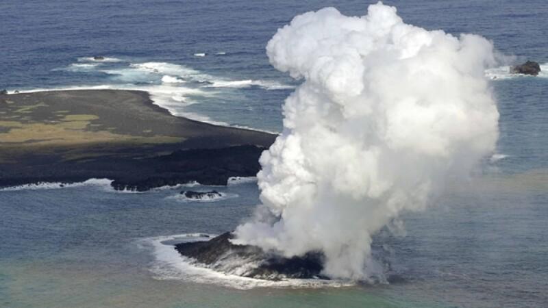 surgimiento de isla en japon
