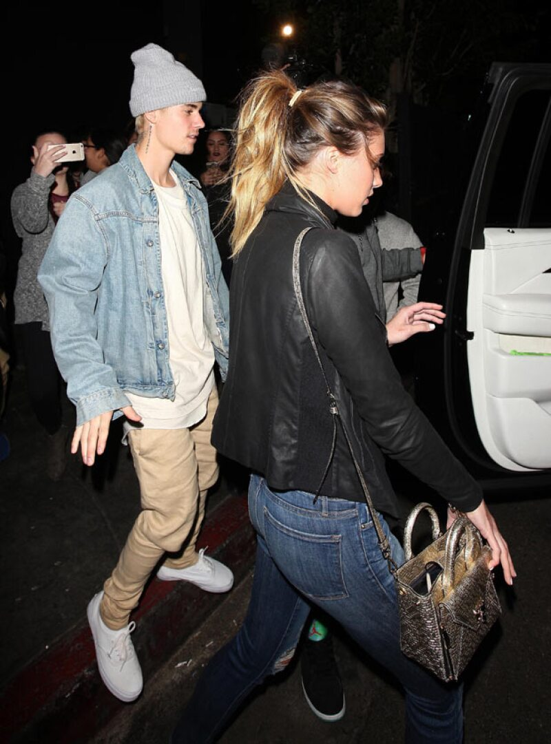 El cantante canadiense fue visto saliendo con la modelo Jessica Serfaty, quien a inicios de año se le captó besándose con el ex integrante de los Jonas Brothers. ¿Qué pensarán Joe y Hailey de esto?