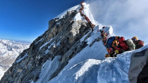 NEPAL-MOUNTAINEERING-EVEREST