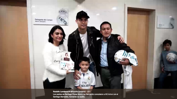 Cristiano Ronaldo conoce a papás de niño fallecido en Colegio Rébsamen