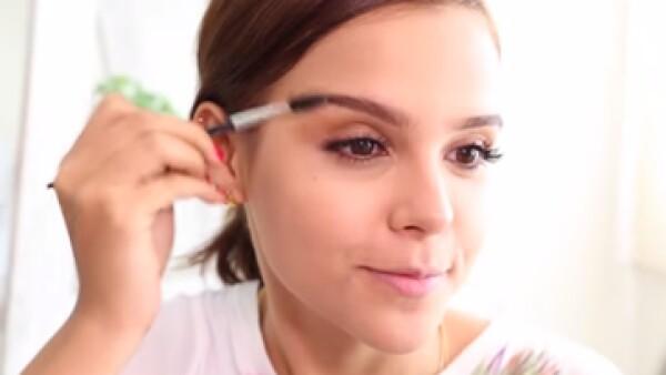 Covergirl, la marca de cosméticos, encontró en YUYA una aliada para dar a conocer productos. (Foto: Youtube  )