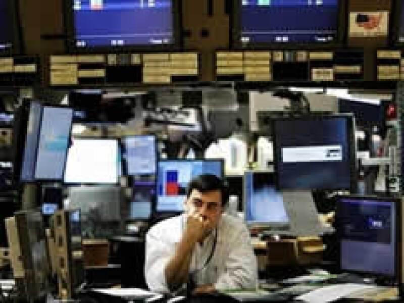 Los mercados accionarios de EU tuvieron un mal cierre de semana. (Foto: Archivo)