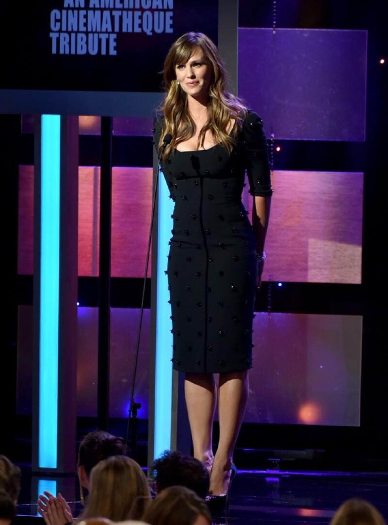 La esposa de Ben Affleck también brilló por su belleza la noche de ayer en Beverly Hills.