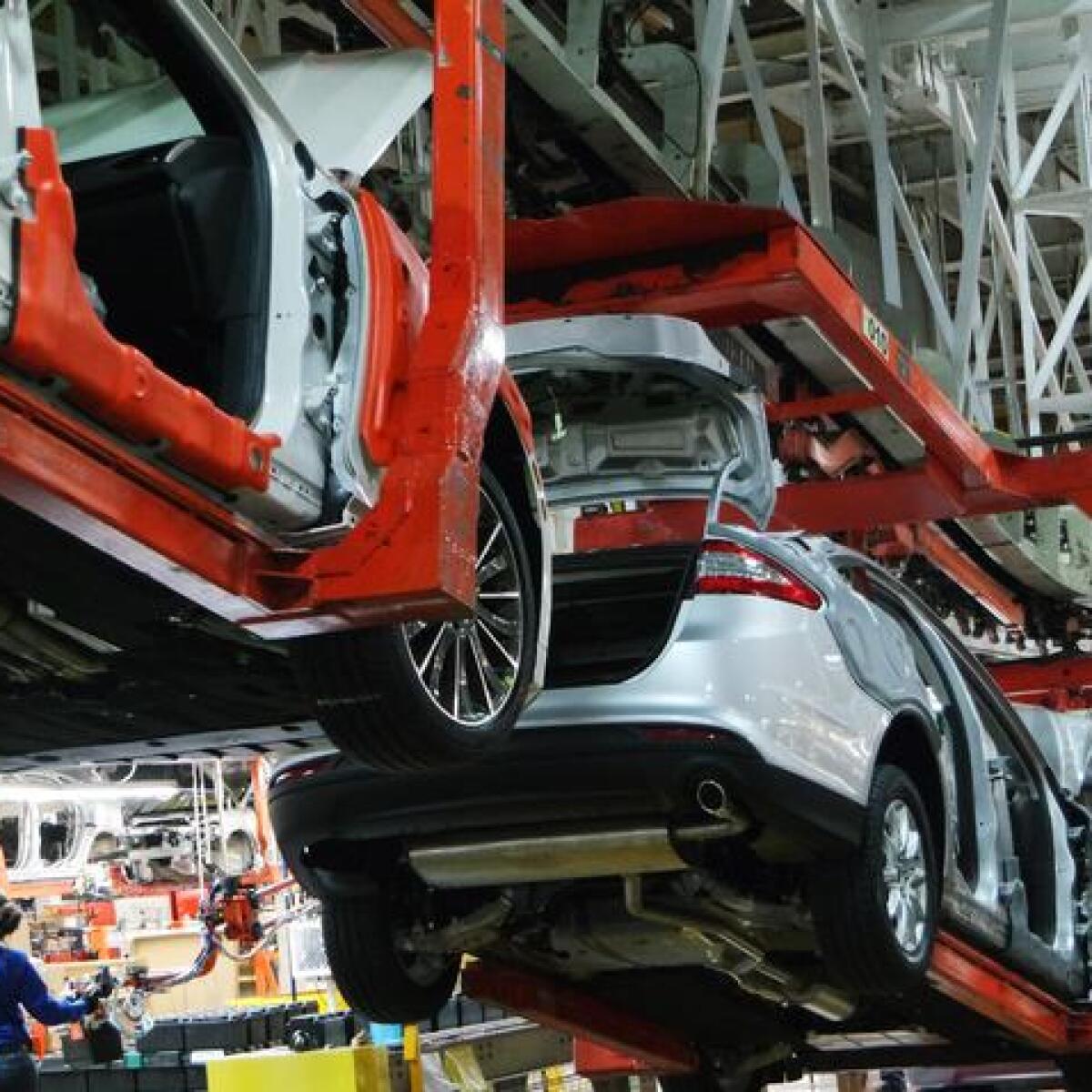 Ford no moverá la producción de planta de EU a México: Trump