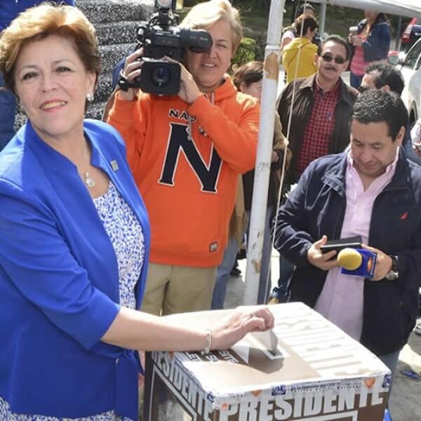 Cecilia Romero PAN votando
