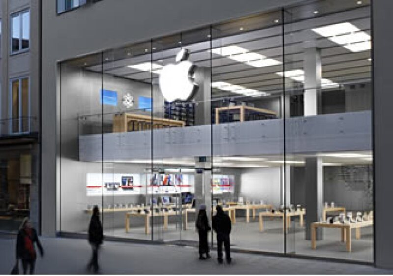 La tablet de Apple son más grandes que un iPhone pero más pequeñas que una laptop. (Archivo)