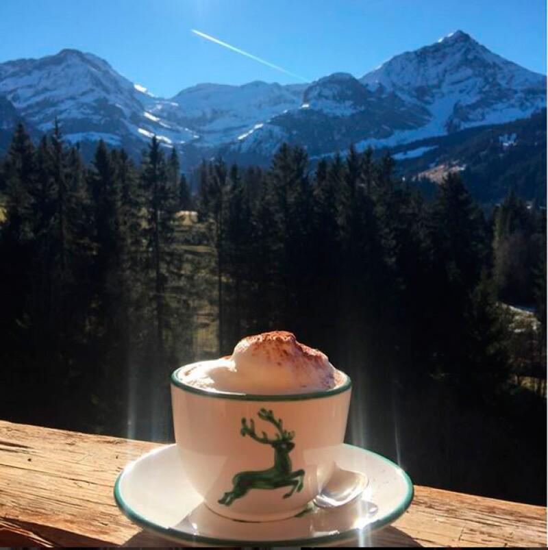 Salma disfrutando de los bellos paisajes de Suiza.