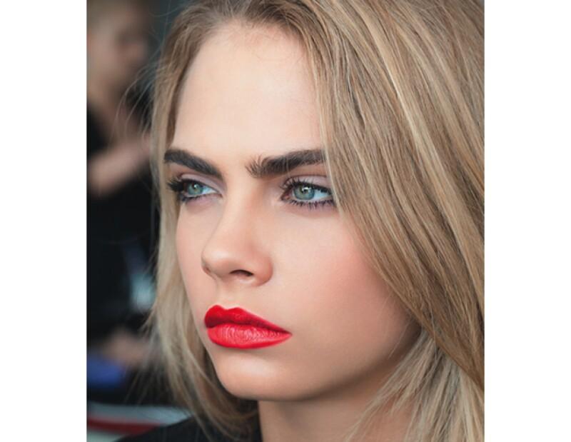 YSL Beauté la contrata como imagen de la línea de maquillaje. Modelo, diseñadora, actriz, editora, social media giant, ¿hay algo que la top no pueda hacer?