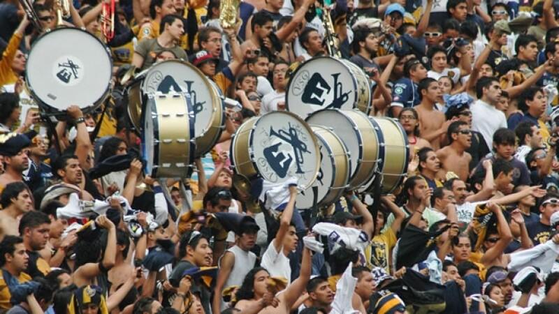 llenar réplica De vez en cuando  Pumas-América y Cruz Azul-Querétaro, pospuestos por falta de seguridad