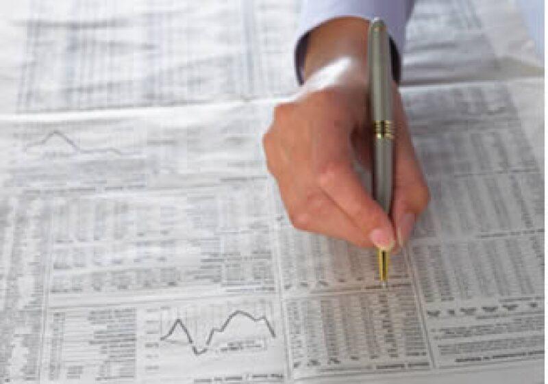 Para obtener ganancias en los mercados de valores, los expertos aconsejan buscar acciones baratas o accesibles. (Foto: Jupiter Images)