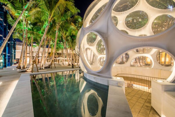 Buckminster Fuller Fly's Eye Dome - Palm Court - photo by Ra-Haus (2)