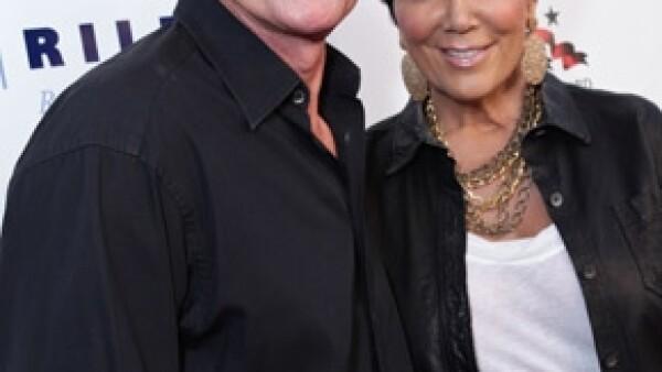 La hermana menor de Kourtney y Kim acudió al programa de Jay Leno donde comentó que su mamá y padrastro no habitan en el mismo hogar, pero no por eso se van a divorciar.