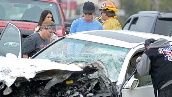 Tras haberse involucrado en un accidente de carretera que cobró la vida de una mujer en febrero, el papá de las Kardashian-Jenner ahora enfrenta una demanda por parte de los hijastros de la misma.