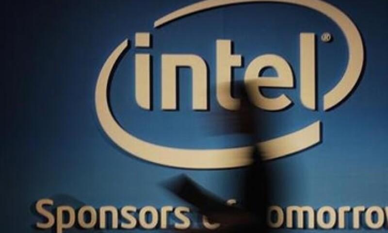 Intel ha sido impactada por la caída en las ventas de computadoras personales. (Foto: Archivo)