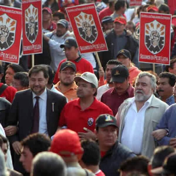 Trabajadores del Sindicato Mexicano de Electricistas (SME) bloquearon avenidas y carreteras de la Ciudad de México el miércoles 11 y convocaron a efectuar más movilizaciones. La corte consideró improcedente la solicitud de crear una comisión investigadora