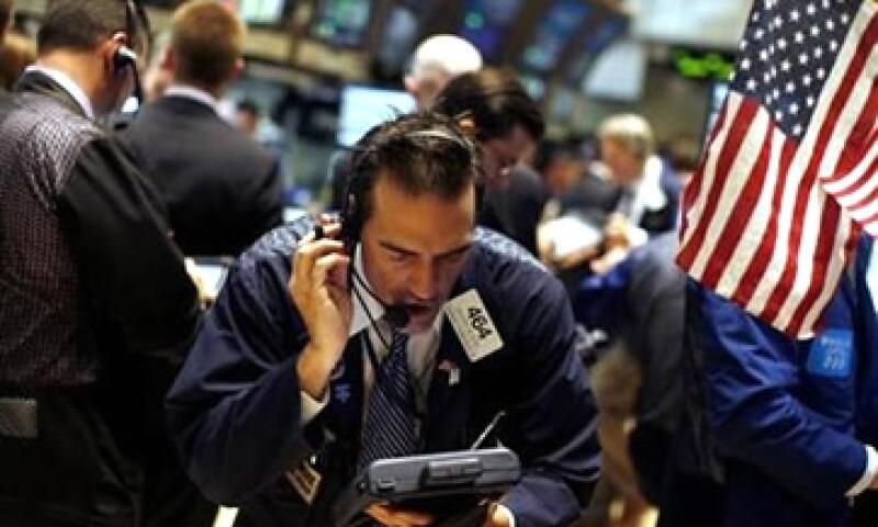La venta de créditos tóxicos permite a los bancos demostrar una mayor fuerza en sus balances financieros. (Foto: Reuters)