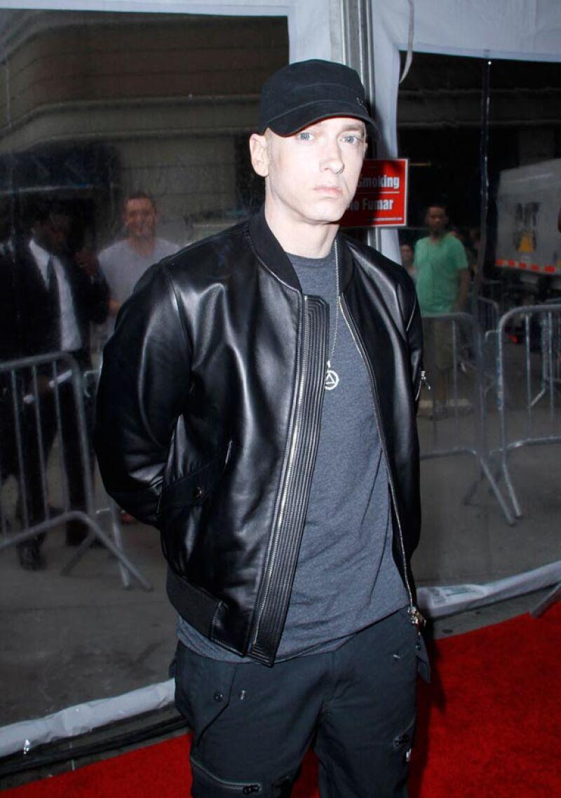 Otro cantante que también se supone murió, fue Eminem.