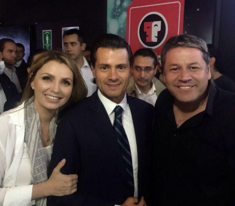 El director Paco Lalas también se tomó una foto con la pareja presidencial.