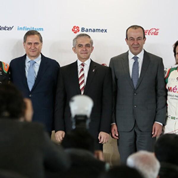 Jo Ramírez, Sergio Pérez, Alejandro Soberón, Miguel Ángel Mancera, Francisco Maz, Emerson Fittipaldi y Héctor Alonso Rebaque.