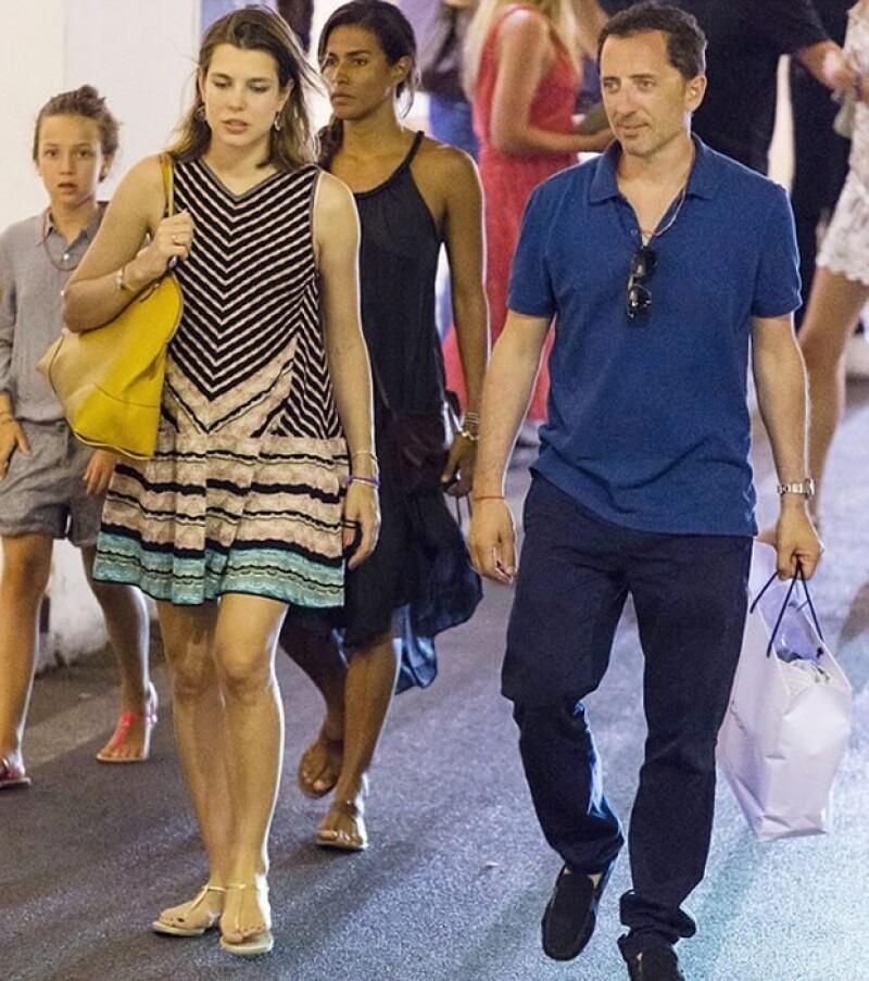 La pareja en Capri, donde se pudo confirmar el embarazo de la hija de Carolina de Mónaco.