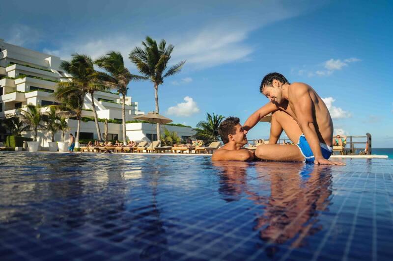 Según datos de la World Travel and Tourism Council  turismo especializado en la comunidad gay registró un incremento de 9.6% en 2015.