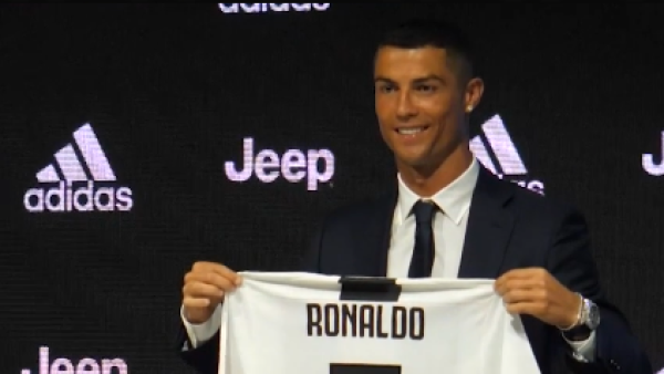 Cristiano-Ronaldo-presentación-Juventus-AFP