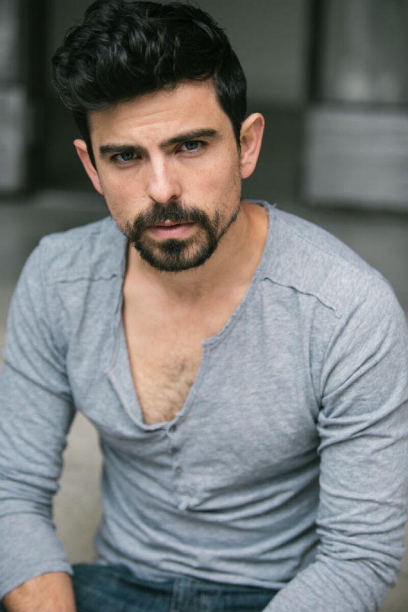 Jorge Luis representa a Chacortita en la serie.