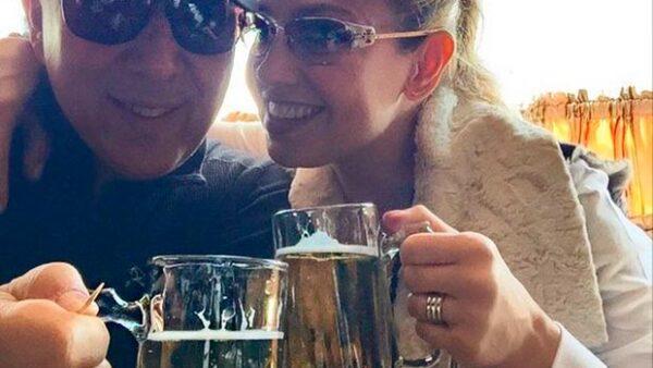 La cantante aprovechó el fin de semana de Pascua para disfrutar a su esposo y sus hijos Matthew Alejandro y Sabrina Sakaë.