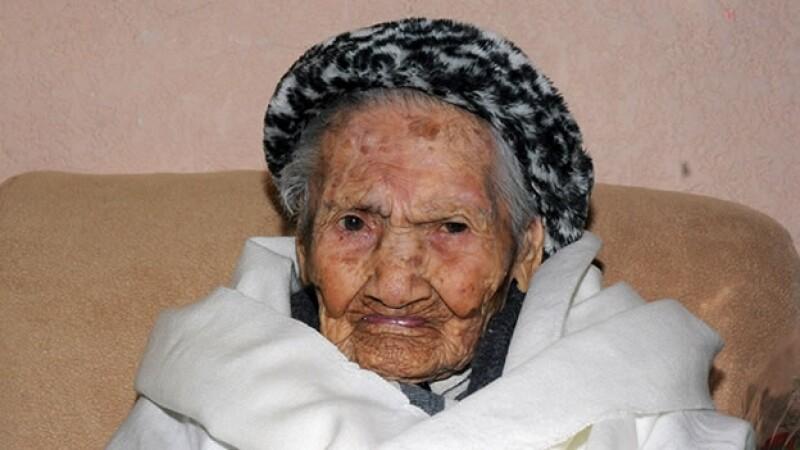 mujer longeva 100 años