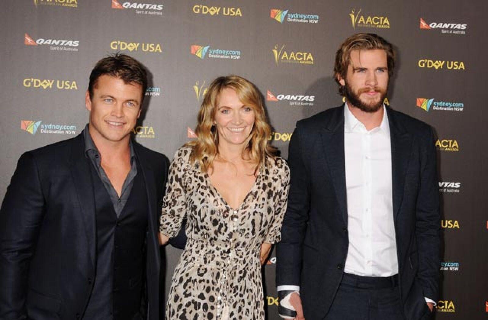 Samantha, Luke y Liam Hemsworth.