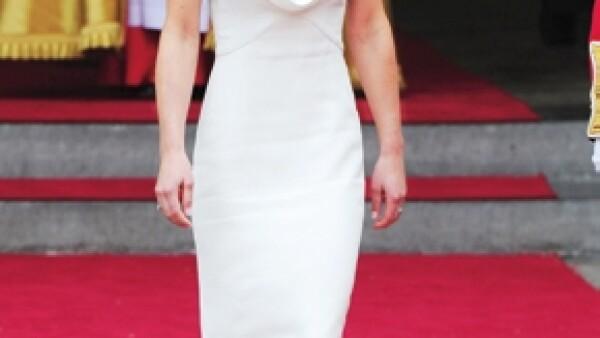 Un vestido entallado que fue visto por millones de personas en todo el mundo lanzó al estrellato a Pippa Middleton, cuñada del príncipe Guillermo. Hoy en día todos quieren saber de ella.
