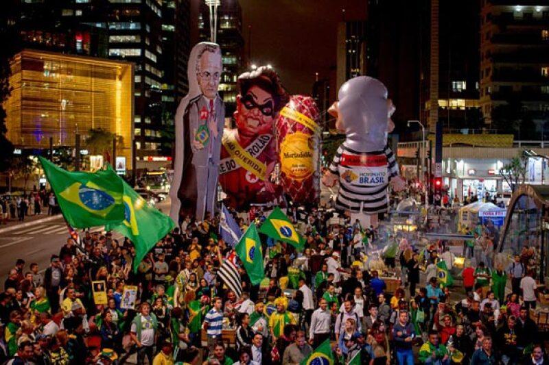 Algunos sectores de la población brasileña se mostraron a favor de la suspensión de Rouseff.
