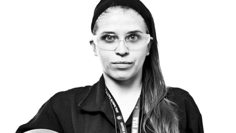 RETRATO, AXALTA, Leslie Karina �lvarez Reyes, Ingeniero de COntrol de Calidad, 3 a�os en la empresa.