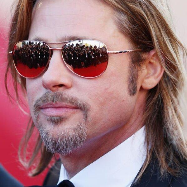 Brad Pitt comenzó a estudiar Publicidad y Periodismo, sin embargo no terminó sus estudios por dedicarse de lleno a la actuación.