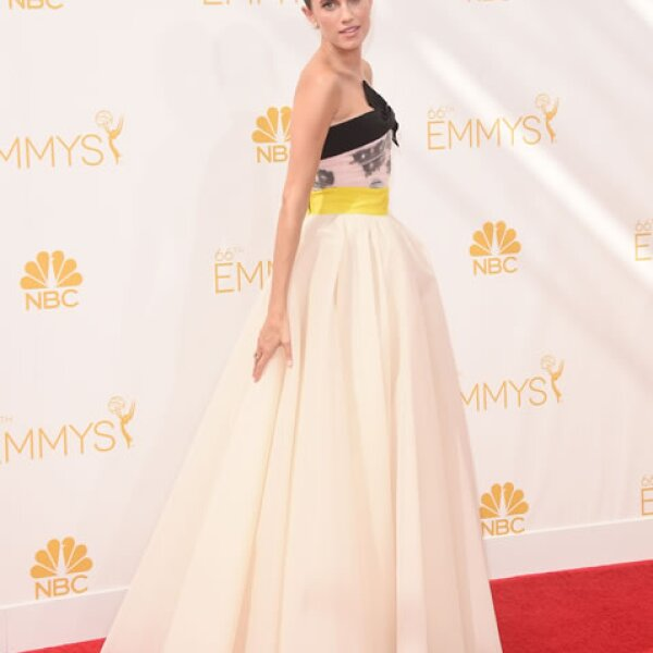 Allison Williams en Giambattista Valli