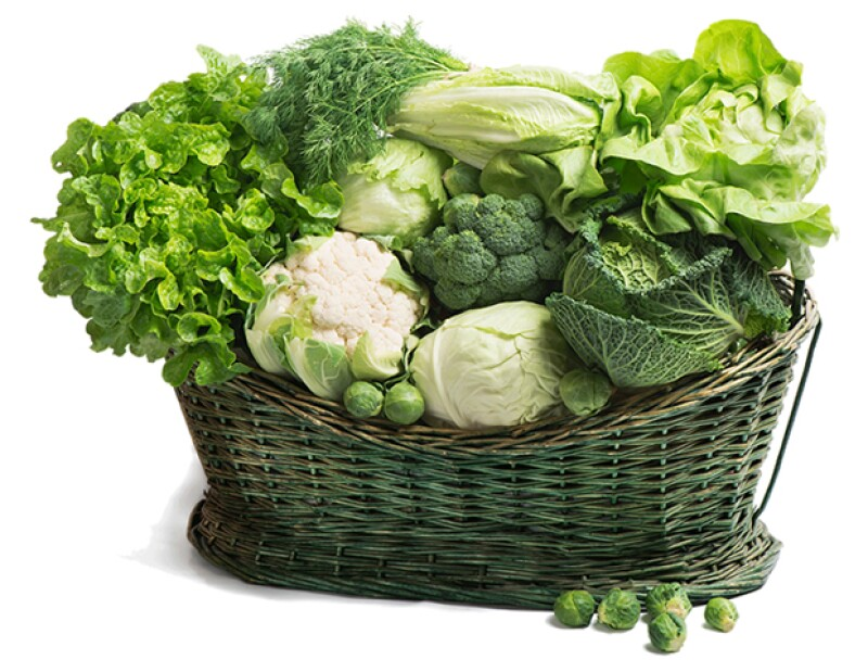 Come espinacas, col rizada y brócoli para obtener hierro.