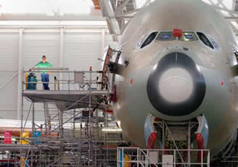 Airbus y Boeing luchan en un mercado de 1.7 billones de dólares. (Foto: AP)
