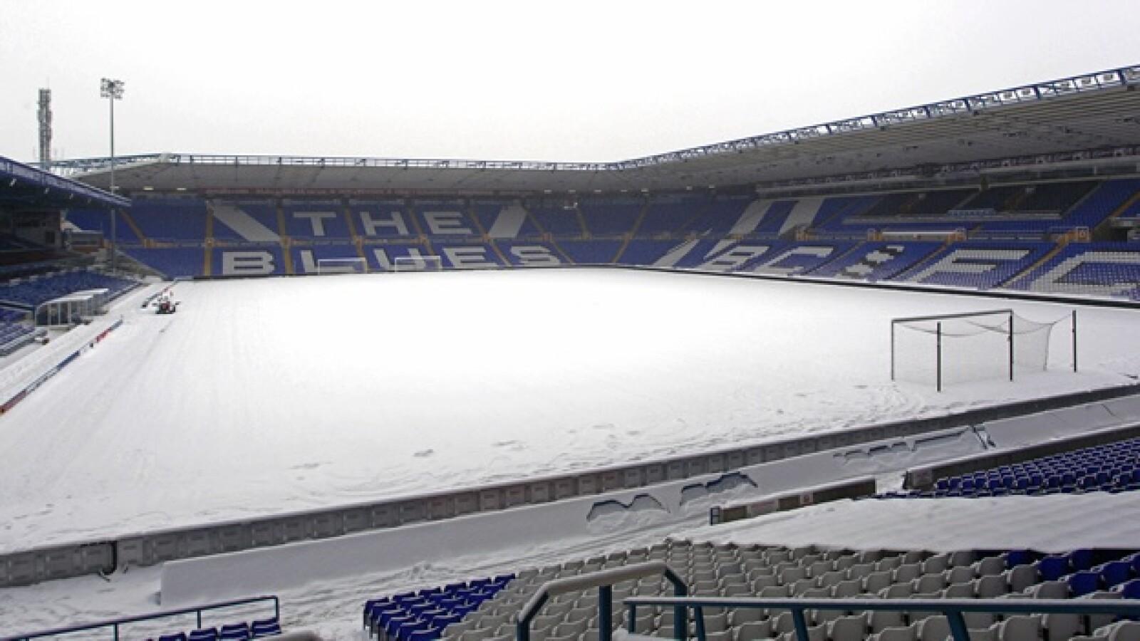 Gran Bretaña - cancha de futbol congelada