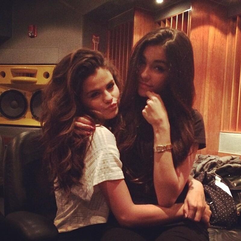 Aunque el canadiense se mostraba cariñoso con Madison en un estudio de grabación en Miami, más tarde se reveló que Selena Gomez llegó de visita.