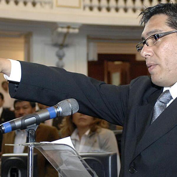 Luis González Plascencia rindió protesta ante la Asamblea Legislativa como presidente de la Comisión de Derechos Humanos del DF, en sustitución de Emilio Álvarez Icaza.