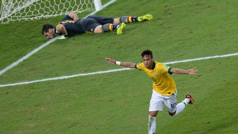 Neymar anota a Casillas