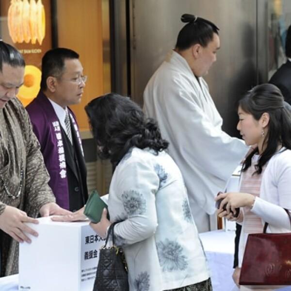 Japón - colecta de dinero