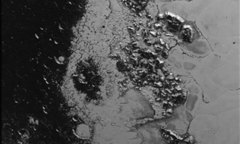 El sistema montañoso se encuentra en el centro del planeta enano. (Foto: NASA/JHUAPL/SWRI)