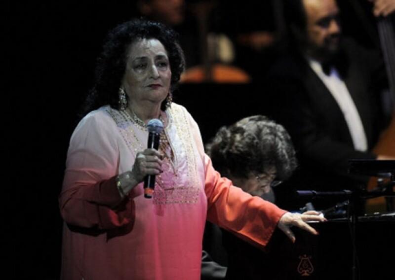 Se consagró en la música mexicana por sus canciones `Mucho corazón´y `Cheque en blanco´. Falleció este domingo debido a múltiples complicaciones de salud.