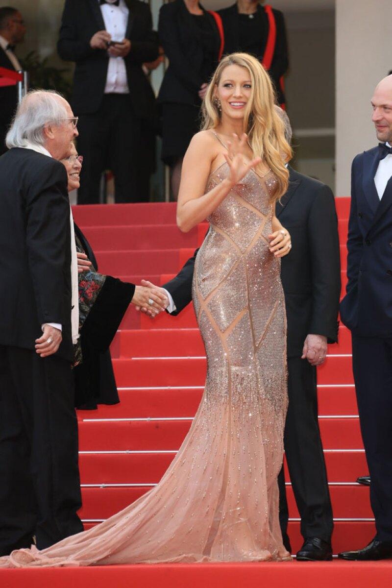La actriz deslumbró a su paso por la red carpet de Cannes con este diseño.